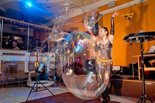 Шоу мыльных пузырей представление